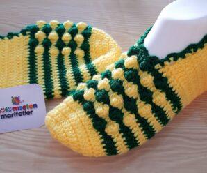 Como tejer Preciosos botines dos colores a Crochet
